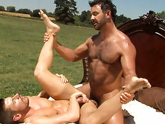 Studs making love under the sun until they both ejaculate!